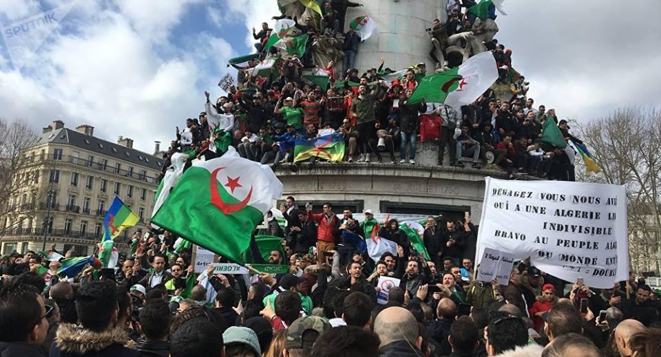 algérie bouteflika renonce cinquième mandat