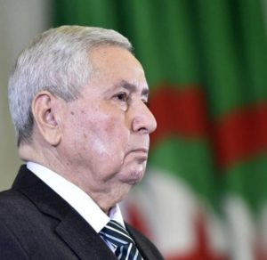Abdelkader Bensalah président par intérim algérie