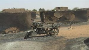 attaque armée au mali 95 morts