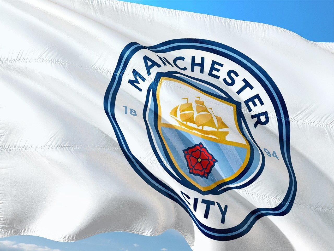 manchester city suspendu deux ans par l'UEFA
