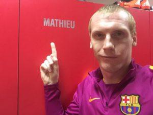fc barcelone jeremy mathieu